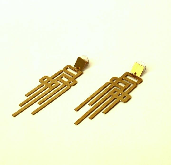 brass logo earring 5 (2)